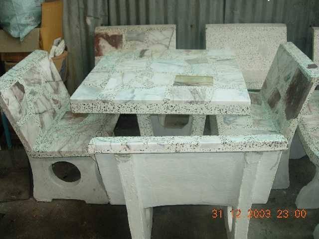 โต๊ะหินอ่อนทรงสี่เหลี่ยมมีพนักพิง(เล็ก)