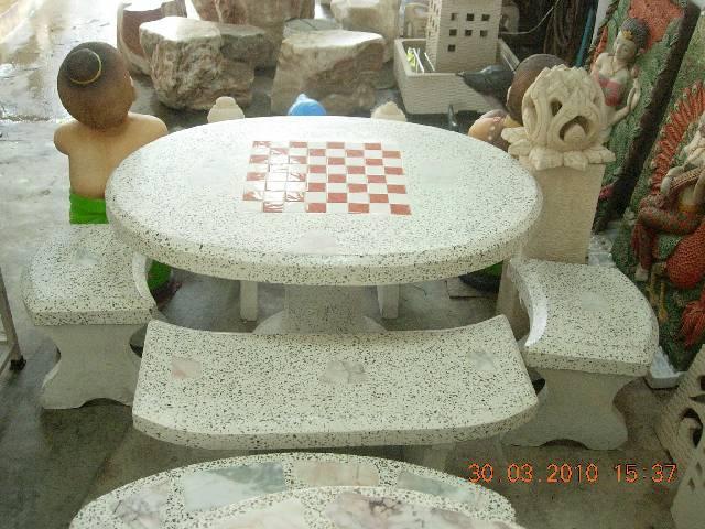 โต๊ะหินขัดทรงรูปไข่