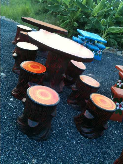 โต๊ะลายไม้