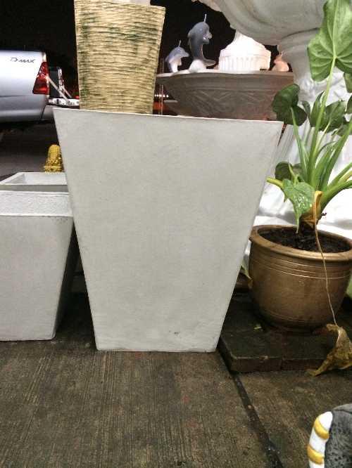 กระถางสี่เหลี่ยมคางหมู 35 x 40 cm.