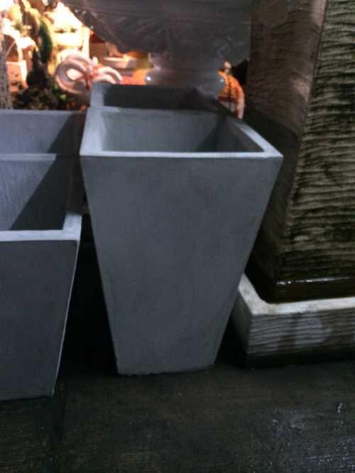 กระถางสี่เหลี่ยมคางหมู 30 x 50 cm.