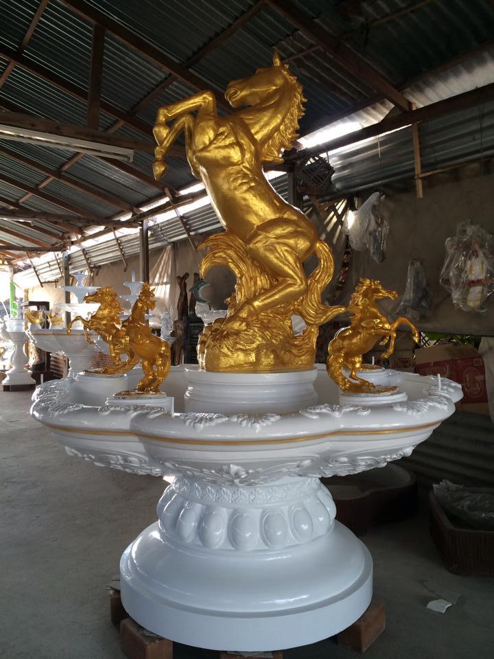 น้ำพุโรมันติดม้าสีทอง ขนาดเส้นผ่าศูนย์กลาง 170 cm