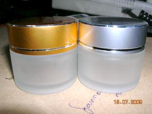ตลับ 5 กรัม (20 ใบ )แก้ว +แผ่นรอง+ฝาทอง