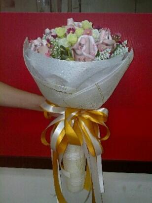 ช่อดอกไม้สีขาวบูเก้