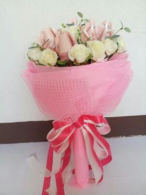 ช่อดอกไม้จากธนบัตรสวยหวาน