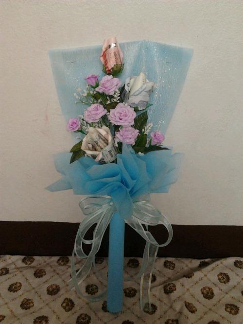 ช่อดอกไม้สีฟ้าสดใส