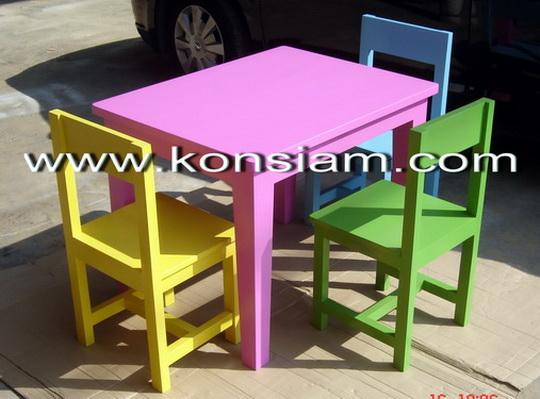 ชุดโต๊ะ เก้าอี้ รักต่างสี
