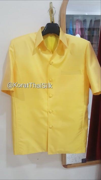 เสื้อไหมซาฟารี สีเหลือง1 size m (1)ราคา 1,890.- L(1)ราคา 1,890.- xl(1)ราคา2,090