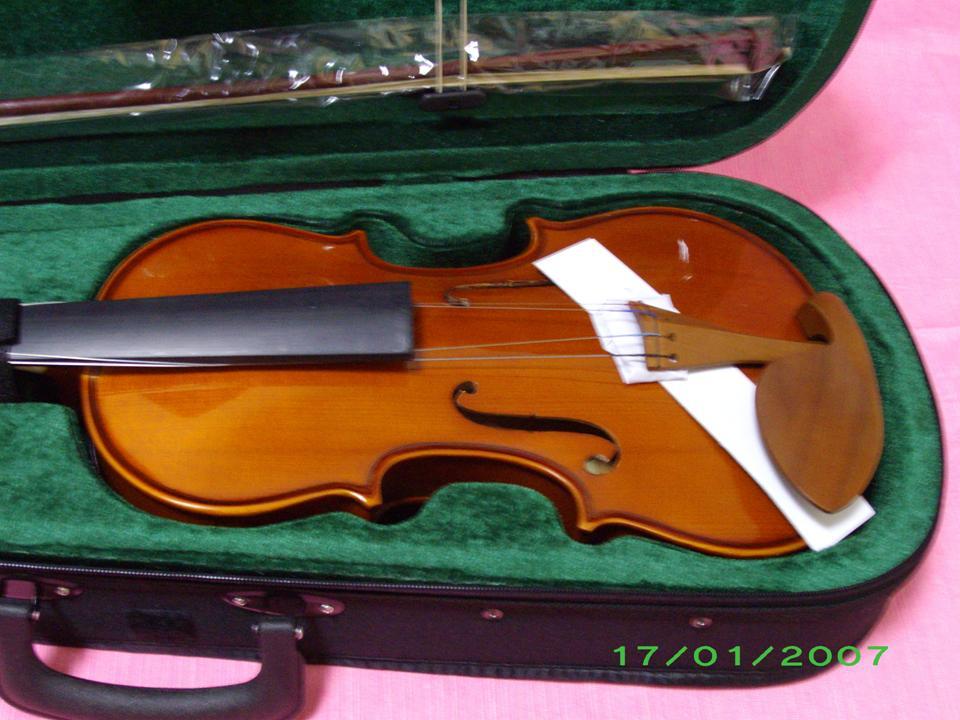 violin รุ่น student เป็นของใหม่ 100เต็ม ขนาด 3/4 และ 4/4