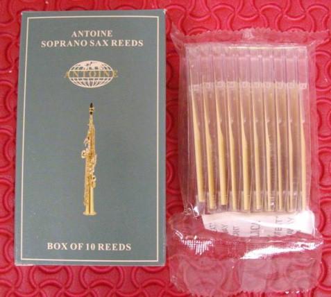 ลิ้นสำหรับ soprano sax ยี่ห้อ Antoine รุ่นกล่องเขียว บรรจุ 10 ชิ้น มีให้เลือกตั้งแต่ เบอร์ 2,2.5,3 แ