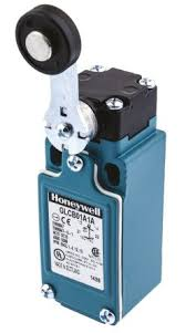 Honeywell IP66 Snap Action Limit Switch, Top Roller Plunger, Die Cast Zinc, NO/NC, 300V