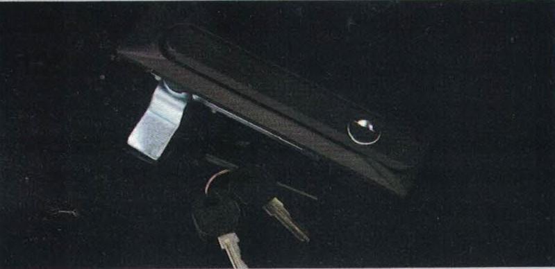 TAMCO TAMLSW-035 กุญแจคอนโทรลสีดำ ราคา 900 บาท