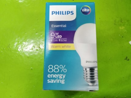 PHILIPS ESSENTIAL 9W LED 15W 80W WARM WHITE ราคา 90 บาท