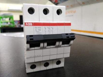 ABB SH203-C10 ราคา830บาท