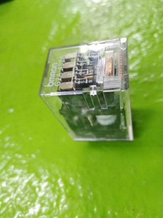 OMRON G2A-432A 100/110VAC ราคา 650 บาท