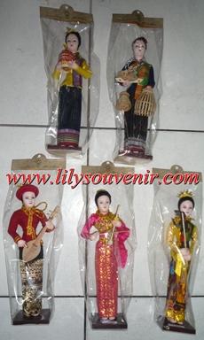 ตุ๊กตา 4 ภาค