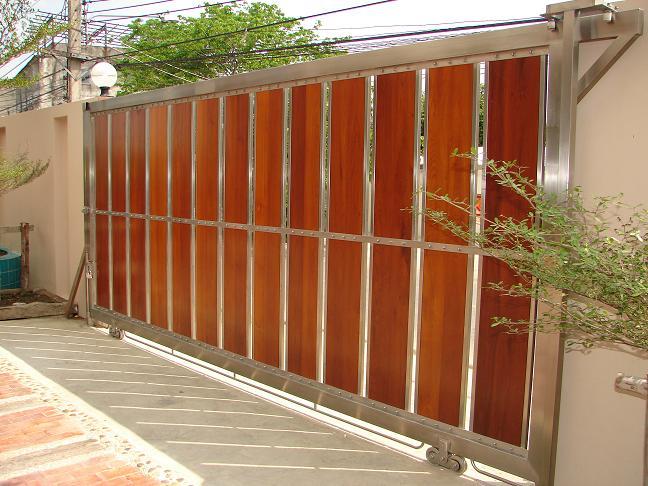 ประตูสเตนเลสแบบผสมไม้ No.D1