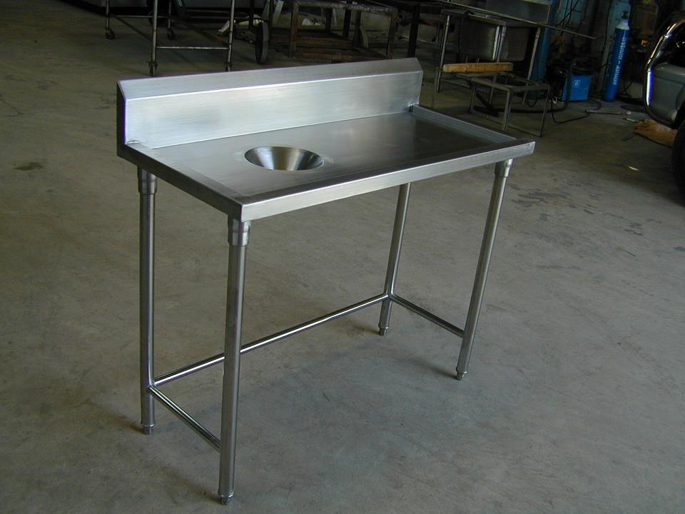 โต๊ะสเตนเลสพร้อมหลุมเคลียร์เศษอาหารมีปีกหลัง No.T9