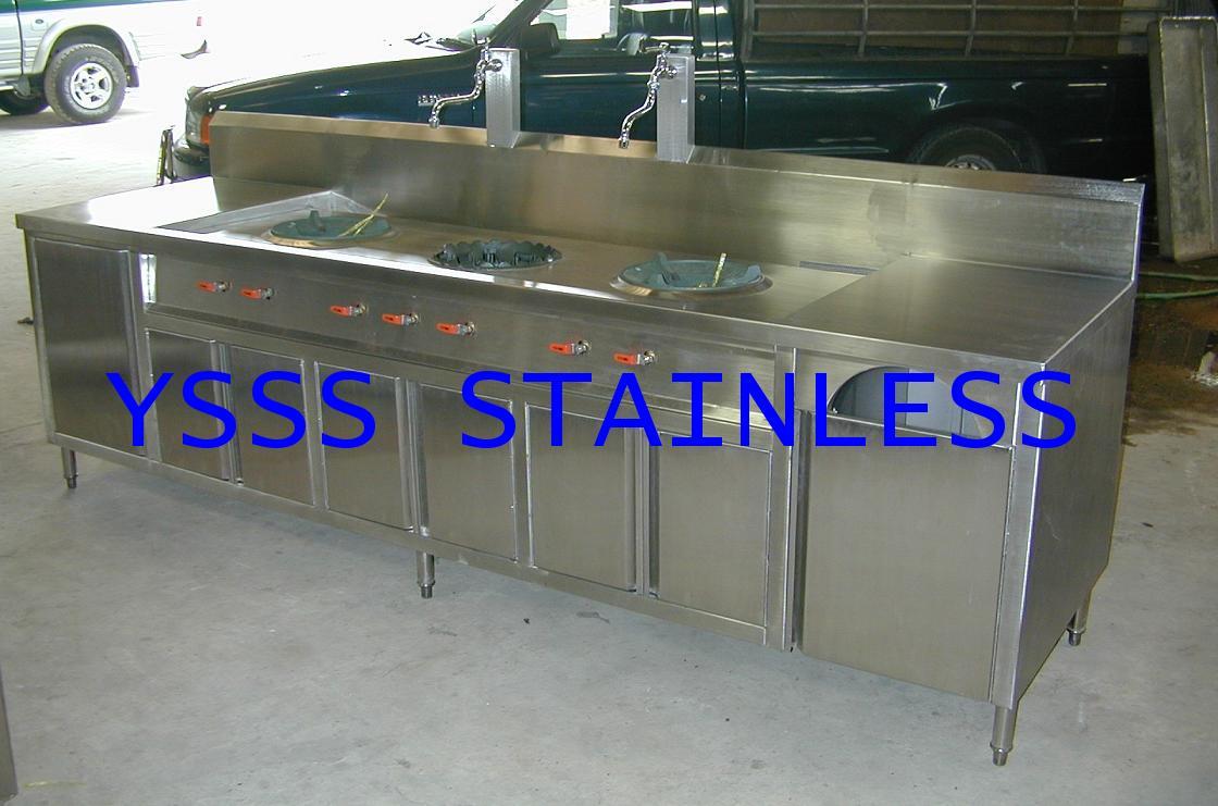 เตาแก๊สสเตนเลส 3 หัวเตาตัวตู้พร้อมที่เก็บของและถังแก๊ส NO.ST20