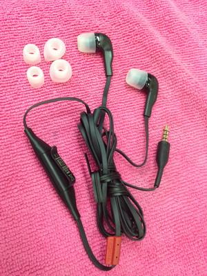 หูฟัง Nokia jack 3.5 mm.for Nokia 5530/E73/E6/C7 (ส่งฟรี)