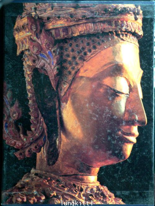 Buddha Images in the Grand Palace / John Hoskin 2