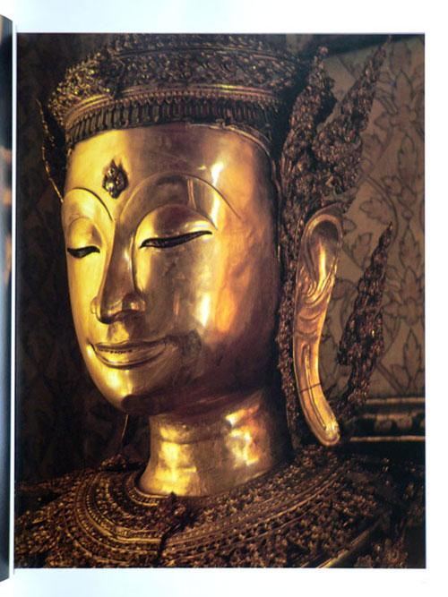 Buddha Images in the Grand Palace / John Hoskin 12