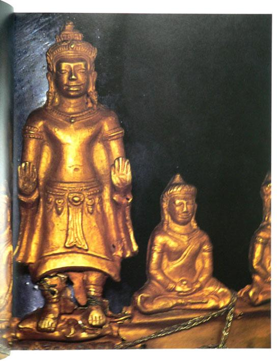 Buddha Images in the Grand Palace / John Hoskin 15