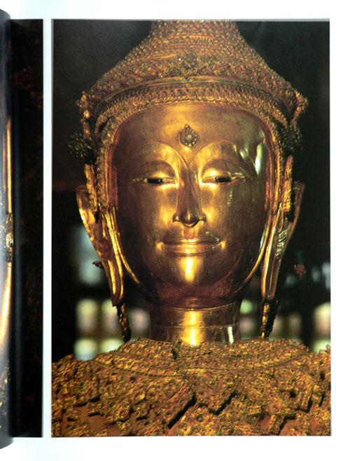 Buddha Images in the Grand Palace / John Hoskin 18
