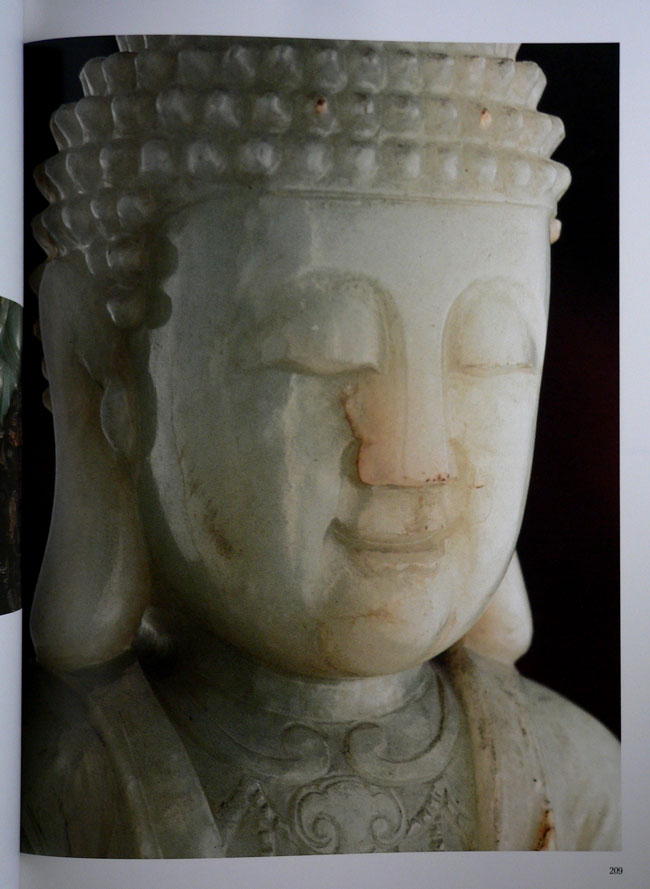Buddha Images in the Grand Palace / John Hoskin 21