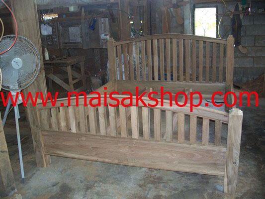 เฟอร์นิเจอร์ไม้สัก(Furniture) เตียง,เตียงนอน,เตียงนอนไม้สักแบบไม้ชี่หัวโค้ง
