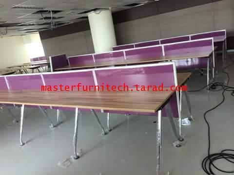 โต๊ะทำงานหน้าไม้ขาเหล็กพร้อมฉากกั้นหน้าโต๊ะ
