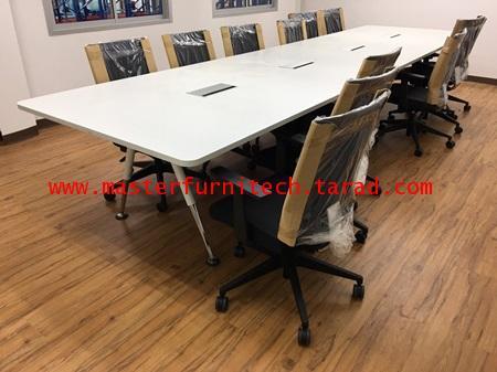 โต๊ะประชุมรูปทรงสี่เหลี่ยมขาตะเกียบ