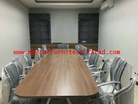 โต๊ะประชุมรูปทรงสี่เหลี่ยมมุมมน