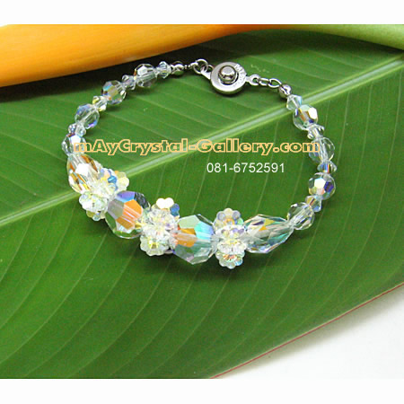 ข้อมือคริสตัล คริสตัลแบรนด์แท้ (Embellished with Crystals from Austria)  = ขาวเคลือบวาว สวยหรู