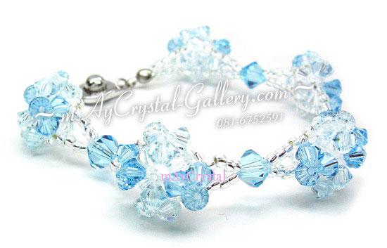 สร้อยข้อมือ คริสตัลแบรนด์แท้ (Embellished with Crystals from Austria)  ถักเป็นดอกผกากรอง