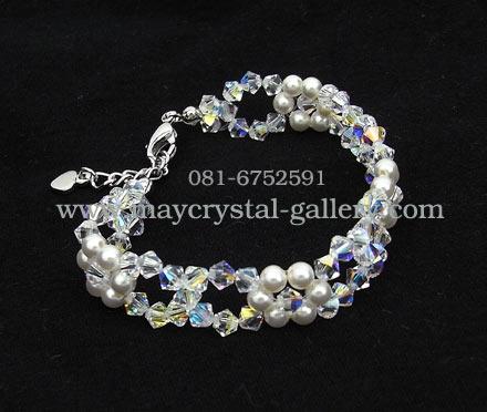 สร้อยข้อมือ มุกแก้ว คริสตัลแบรนด์แท้ (Embellished with Crystals from Austria)