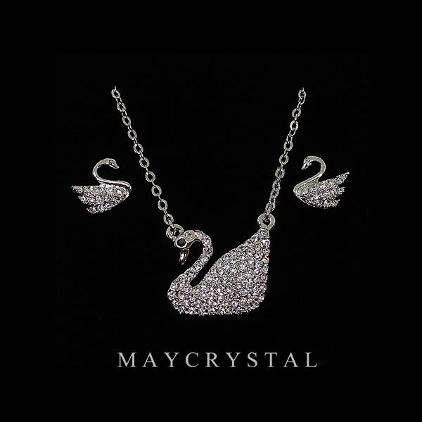 เครื่องประดับ คริสตัล (Embellished with Crystals from Austria)