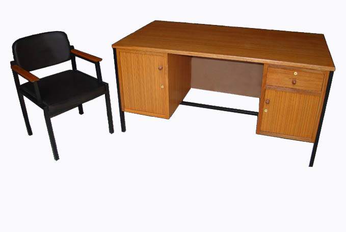 MD10-002 โต๊ะเก้าอี้ครูระดับ 3-6ไม้สักอัด
