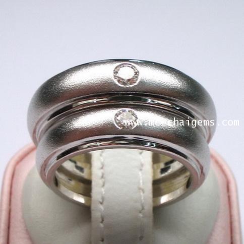 แหวนคู่ทองคำขาวฝังเพชรแท้
