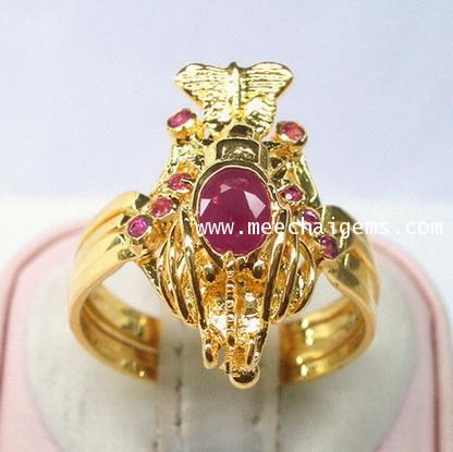 แหวนกลทองคำตัวกุ้งประดับพลอยทับทิมจันท์แท้