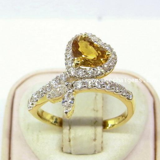 แหวนพลอยบุษราคัมแท้รูปหัวใจประดับเพชร
