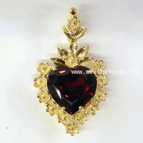 จี้พลอยโกเมนแท้รูปหัวใจ