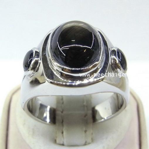 แหวนพลอยสตาร์ดำแท้ประดับตัวเรือนเงิน