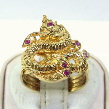 แหวนกลพญานาคประดับพลอยทับทิม