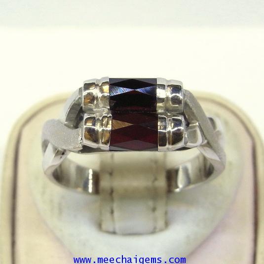 แหวนพลอยโกเมนแท่ง2แท่งประดับตัวเรือนเงิน