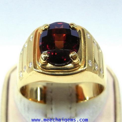 แหวนพลอยโกเมนแท้ดีไซน์สุดเท่ห์ประดับเพชร