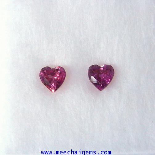 พลอยทับทิมจันท์แท้รูปหัวใจ 2 เม็ด