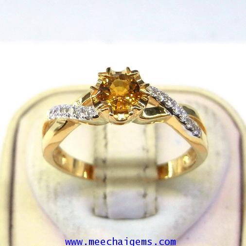 แหวนพลอยบุษราคัมแท้สีธรรมชาติประดับเพชร