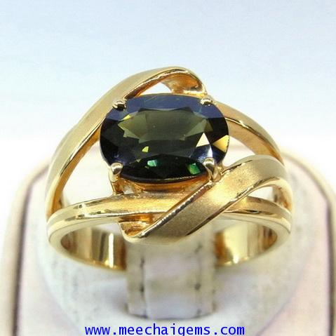 แหวนพลอยเขียวส่องจันท์แท้สีธรรมชาติ