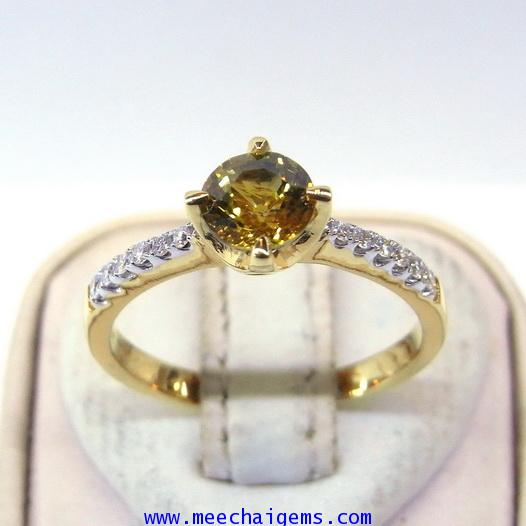 แหวนพลอยบุษราคัมจันท์บ่อบางกะจะ(สีธรรมชาติ)ประดับเพชร